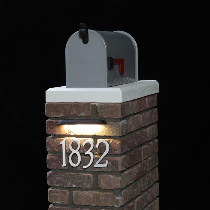 Wall Lights On Brick : LED Hardscape Wall Light - DEKOR Lighting