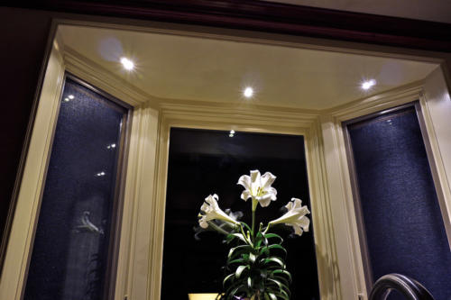 LED Down Lights: elegant recessed lighting for bay window.