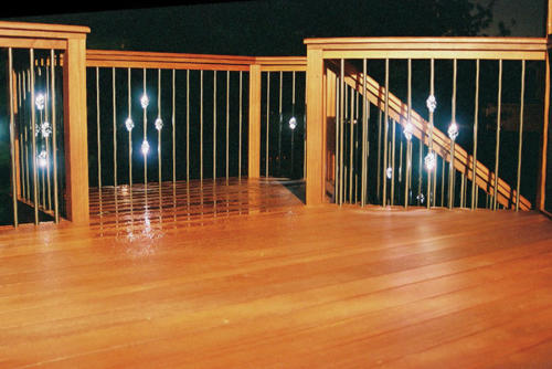 Deck lighting: Lighted deck balusters