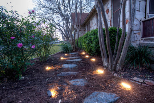 Lanscape Lighting: Light pathways and walkways with the new DEKOR Radiance Landscape Light